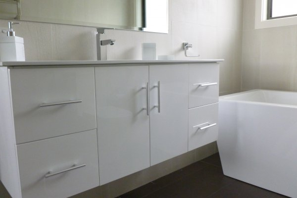 Kreative_Kitchens_Vanities_7.JPG
